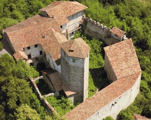 Indagini sui solai lignei di Castel Belasi